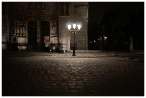 claire-lumiere-sombre-obscurite.jpg